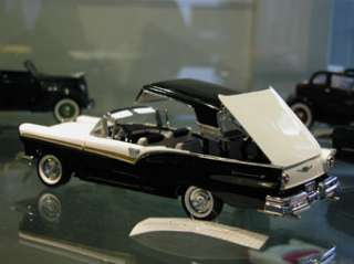 1957 Ford Fairlane 500 Skyliner Retractable Hardtop 124 MIB