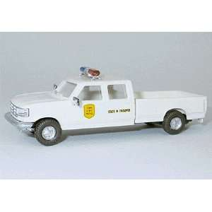 87) Iowa State Police Ford F350 4 Door Pickup Truck Toys & Games