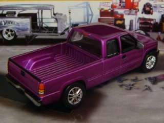 2000 Chevy Silverado Extended Cab 1/64 Scale Limited Edition 4