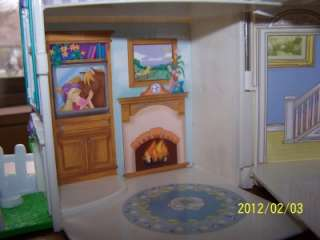 Fisher Price Sweet Streets Country Dollhouse Doll House